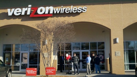 Will Verizon get the Edge on the market, or will T-Mobile make the Jump?